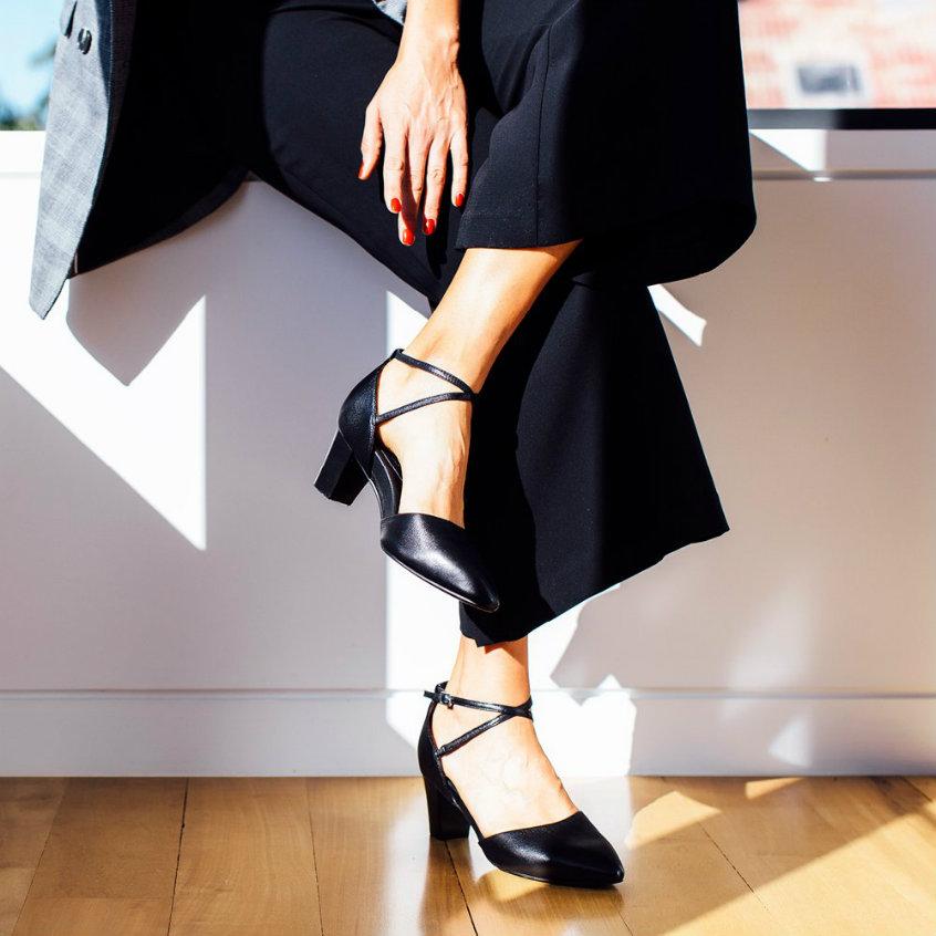 Black leather high heels frankie4