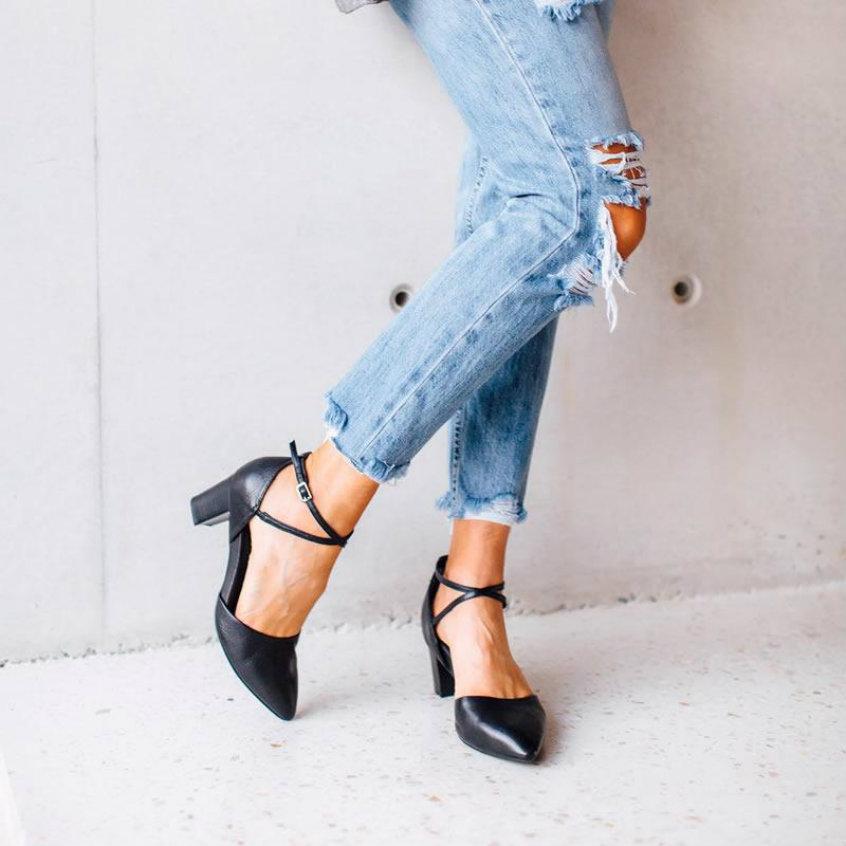 women wearing frankie4 tessa black high heels