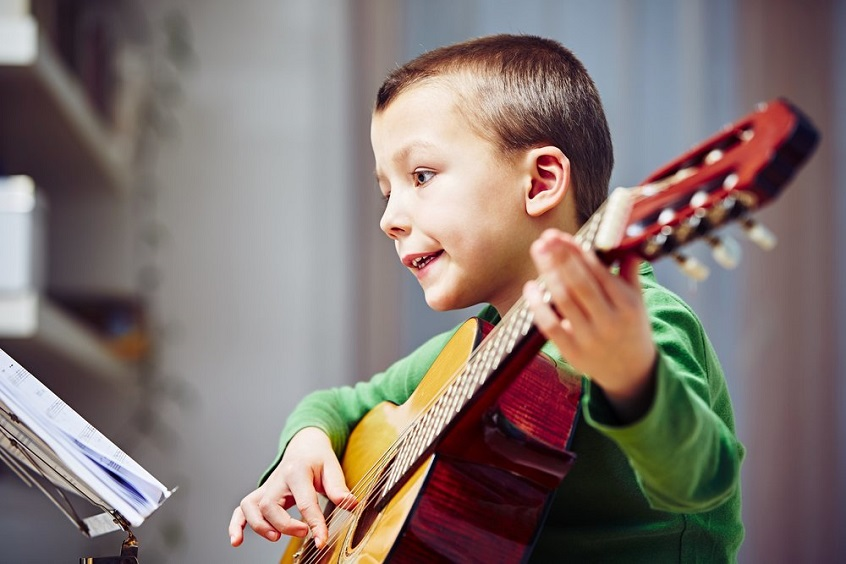 Child Learn Music