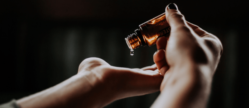 Natural-Oil-As-Lubricants-Female-Hands-holding-Medicine