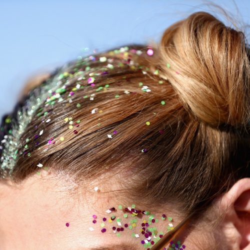 Hairstyle with glitters