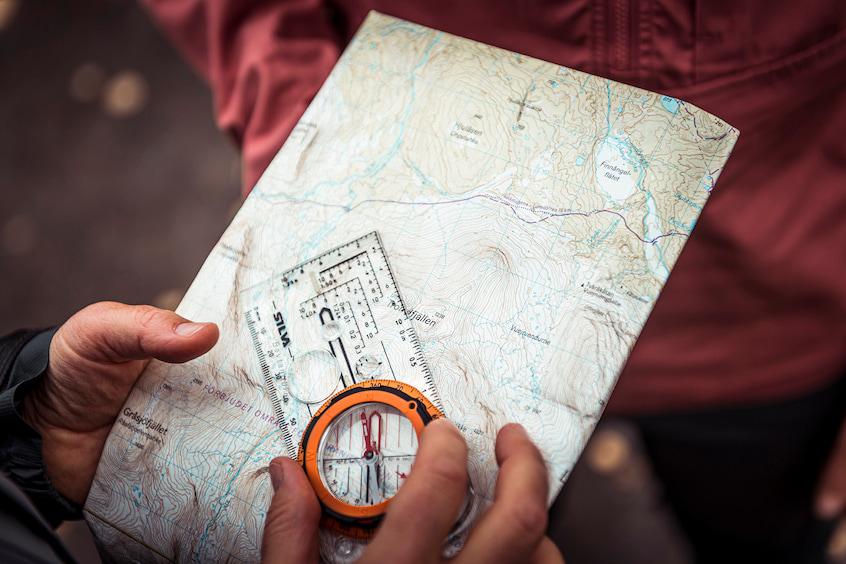 camping-hiking-silva-compass